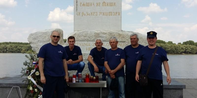Crnilovac Vukovar naslovna